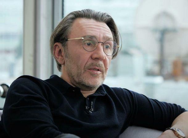 Сергей Шнуров написал стихотворение о болезни МакSим