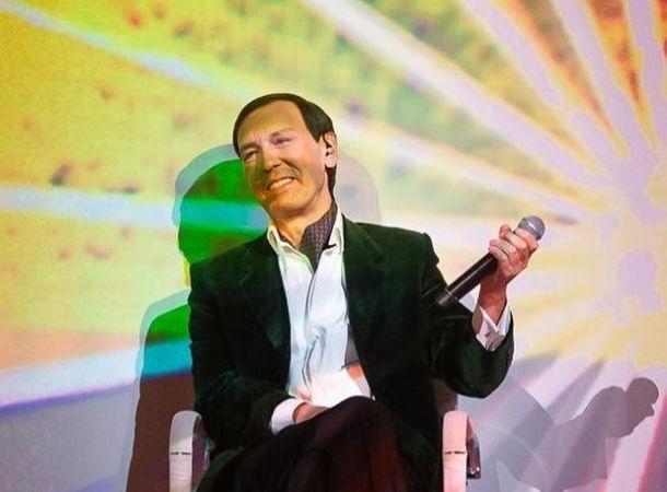 Николай Носков дал большой концерт в Витебске на инвалидном кресле