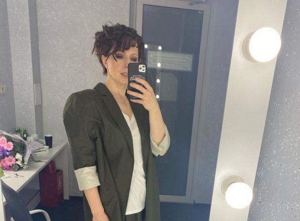 Яна Чурикова показала себя без макияжа и фотошопа