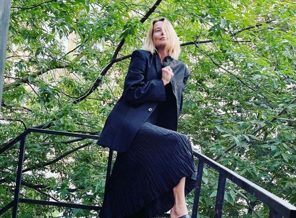 Наталия Аринбасарова заявила, что Юлия Высоцкая вышла замуж за старика