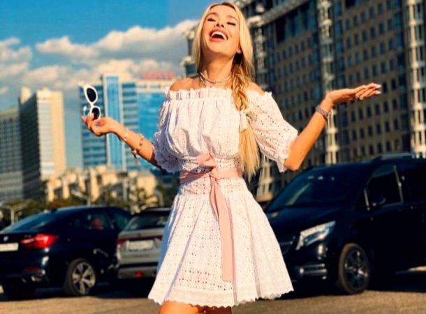 Алена Кравец заказала памятник по цене квартиры для покойного питомца